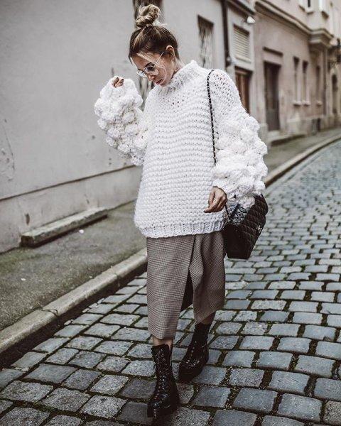 画像1: Women's Handmade Sweater Cuddle Up Loose large size Coarse lines ultra-Thick Coat Ahududu Hırka ハイネックポンポン付ざっくりニットセーターコート (1)