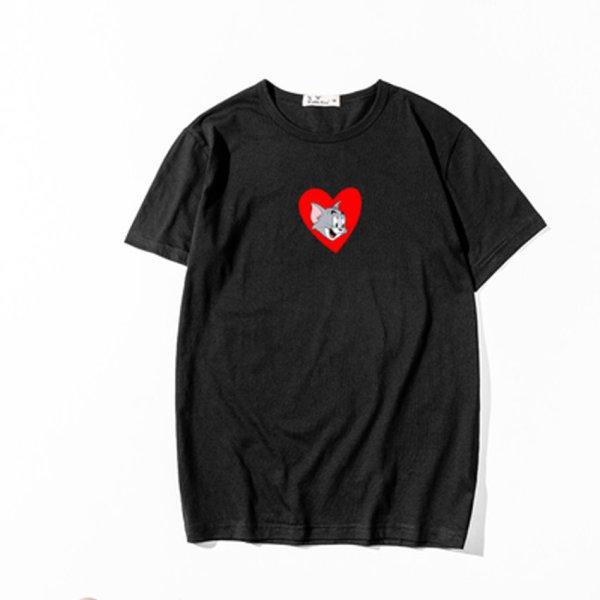 画像1: Tom & Jerry Short Sleeve Unisex T-shirt on Heart ハートにトム&ジェリー半袖ユニセックスTシャツユニセックス 男女兼用 (1)