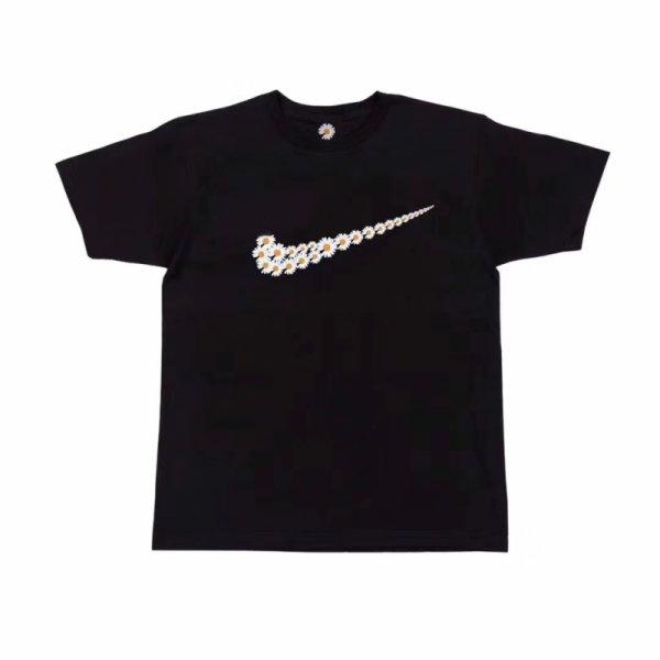 画像1: Unisex  Nike Logo Parody Daisy Print tshirt   デイジープリントユニセックス 男女兼用ラウンドネック半袖Tシャツ (1)