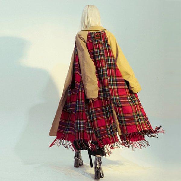 画像1: Over sized loose trench coat  reversible checked-scarf trench coat  男女兼用 リバーシブル チェックストール マフラー付き オーバーサイズ ライトウェイト チェック ノーボタン トレンチコートロングコート (1)